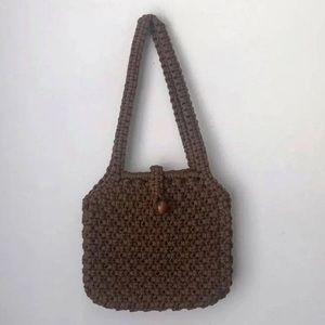 Classic 70s woven bag